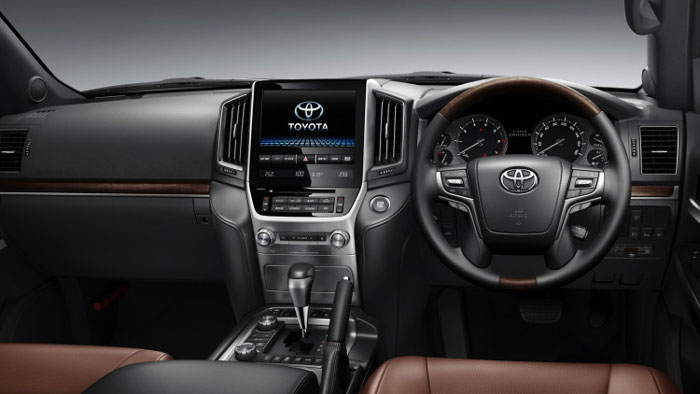 Салон Toyota Land Cruiser 200 2016 года