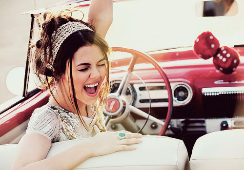 видео приколы с девушками на дороге