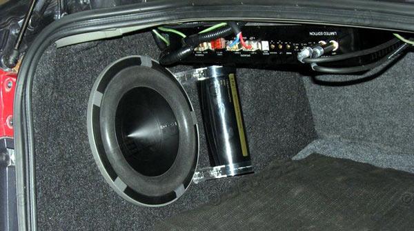 Видео установки сабвуфера в машину