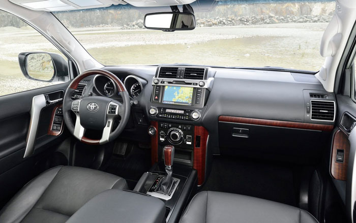 Toyota Land Cruiser Prado 2016 салон