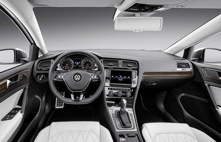 Интерьер Volkswagen Jetta 2018