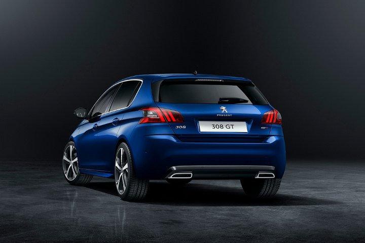 Peugeot 308 2018 синий - вид сзади