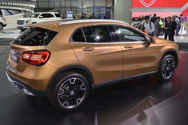 Новый Mercedes GLA 2018, фото, цена, характеристики