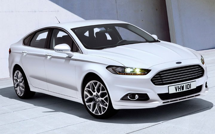 Ford Mondeo 2018 года белый