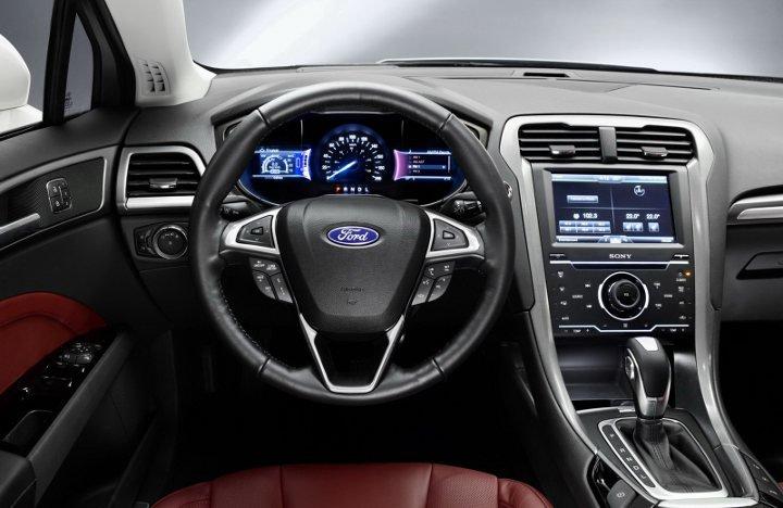 Ford Mondeo 2018 года приборная панель