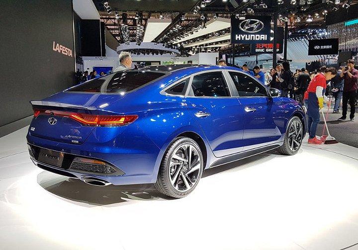 Hyundai Lafesta 2019 - вид сзади