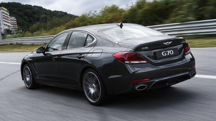 Hyundai Genesis G70 2019 - вид сзади